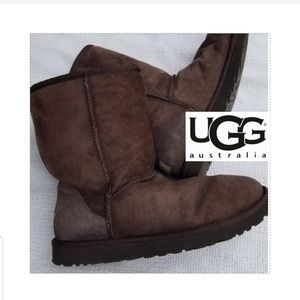 Ugg mid length boots 10